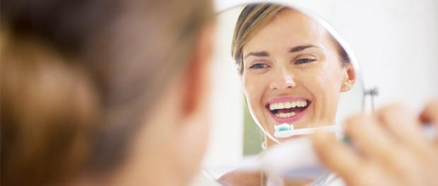 Mundhygiene: Frischer Atem durch richtige Pflege